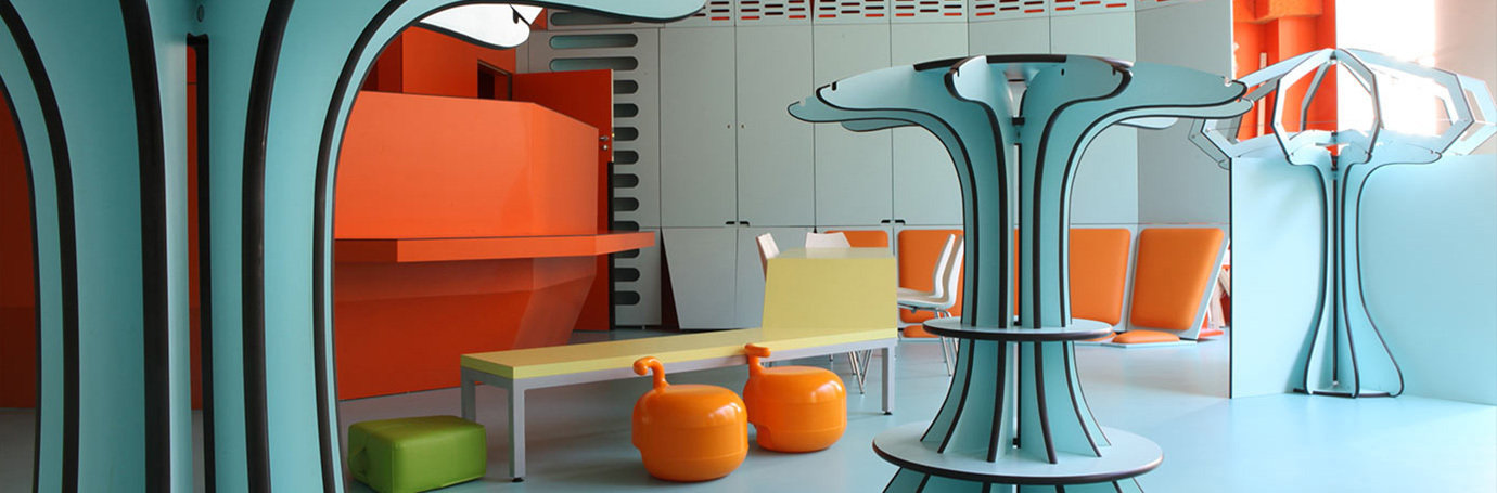 la maison des petits qui sommes nous. Black Bedroom Furniture Sets. Home Design Ideas